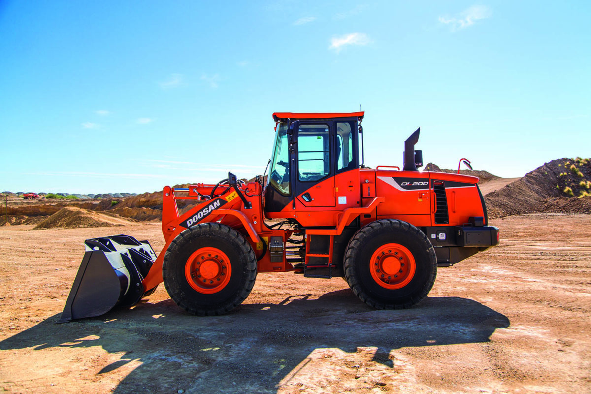 MNS Doosan-DL200-5-wheel-loader-2
